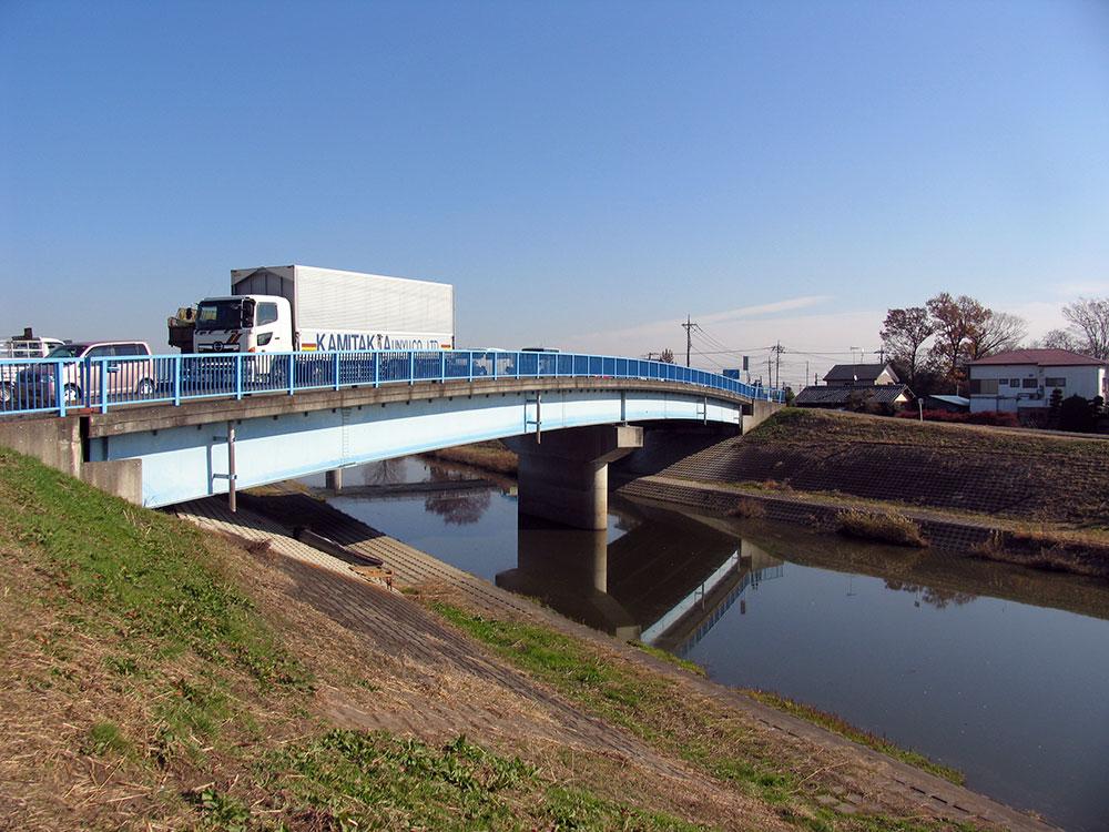 058-東大久保橋(荒川放水路左岸上流から)